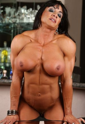 muscle woman blowjob
