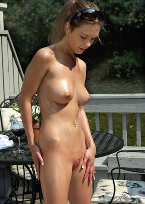 beautiful nudist girl