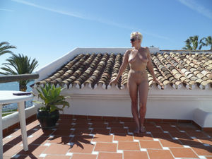 wife gets naked on vacation