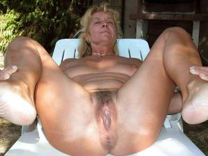 mature hairy black pussy pics