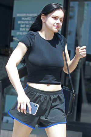 ariel winter nipple slip