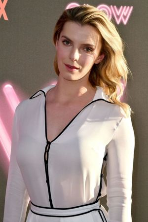 betty gilpin breasts