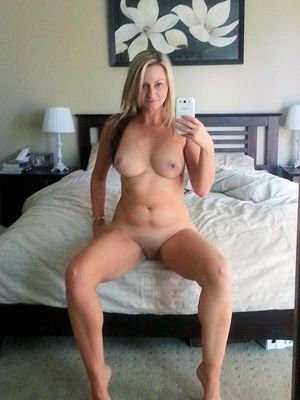busty nude moms