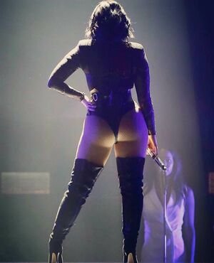 demi lovato big ass