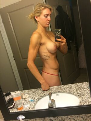 nude celebrity selfies