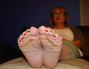 ugly girl sexy feet