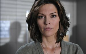 alana de la garza two and a half men
