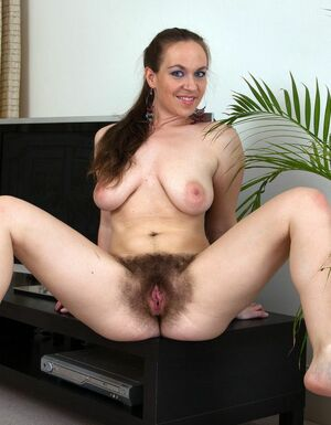 hairy old women pussy
