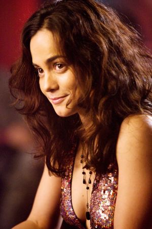 alice braga feet
