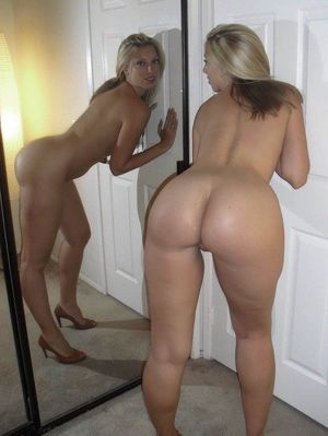 nude moms and daughters