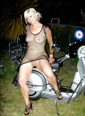 mature outdoor swingers