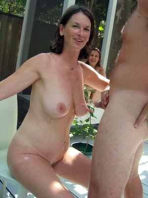 nudist swinger pics