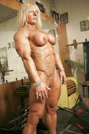 muscle girl blowjob