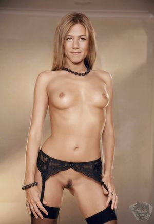 naked jennifer aniston